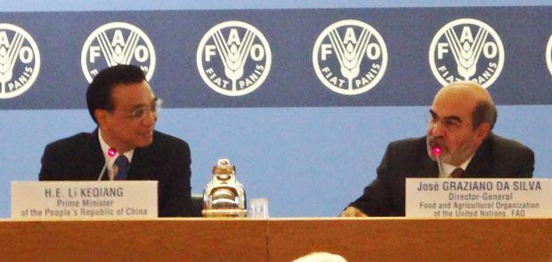 Chinese Premiere Li Keqiang (l) and FAO Director-General José Graziano da Silva (r).